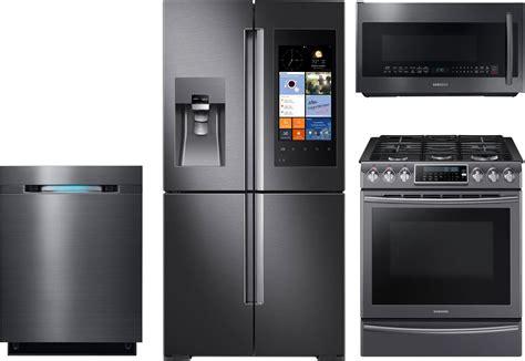 samsung  piece kitchen package  nxkwg gas range rfksg refrigerator