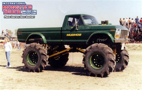 monster truck mud videos mud hog international monster truck museum hall of fame