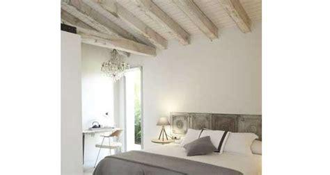 meubles de cuisine en bois brut a peindre 10 déco chambres avec poutres apparentes charmantes