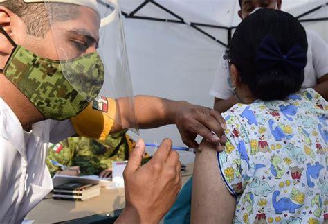 Acudir con dni y tarjeta sanitaria/tarjeta mutualista. Inicia vacunación contra COVID-19; personal de salud, grupo prioritario para recibir dosis - AMLO