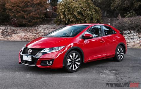 2015 Honda Civic Vti-l Hatch Review (video)