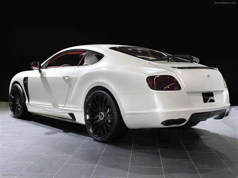 White Bentley Continental Gt W| Black Rims.