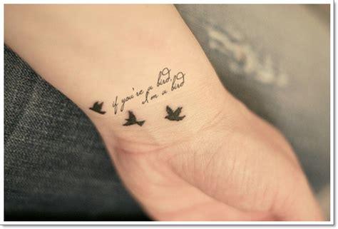 kleine und niedliche tattoo ideen fuer junge frauen