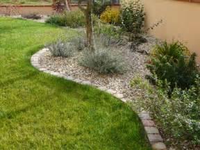 Delimitation Parterre Jardin by Bordures Pour D 233 Limiter Les Massifs Dans Une Maison