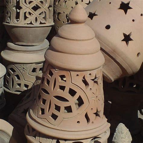 lampe de jardin design en terre cuite poterie du maroc
