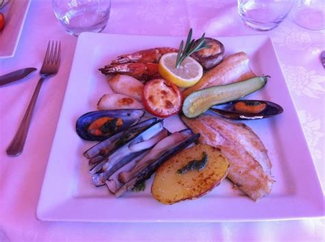 restaurant l aquarium cyprien restaurant l aquarium cyprien restaurant reviews phone number photos tripadvisor