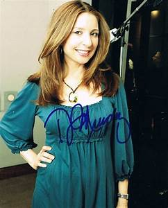 DONNA MURPHY - Lovely AUTOGRAPH Signed 8x10 Photo
