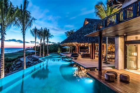 luxury beachside villas  luxury retreats  luxury editor