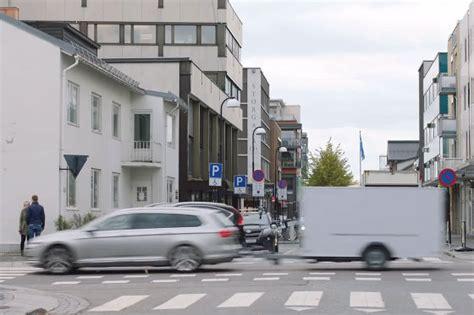 vw trailer assist witzige werbung mit anhaenger autobildde