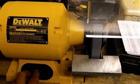 dewalt bench grinder the dewalt dw758 8 inch bench grinder topbenchgrinders