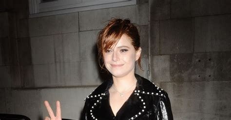 Jessie Buckley Charles Finch And Chanel Pre Bafta Party à