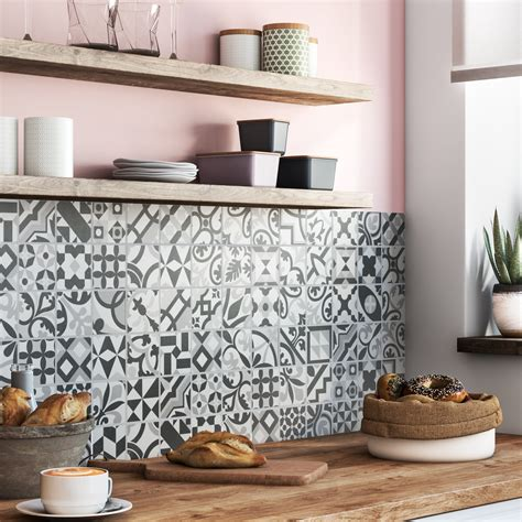carreaux de ciment cuisine credence patchwork de carreaux de ciment pour la cr 233 dence leroy merlin