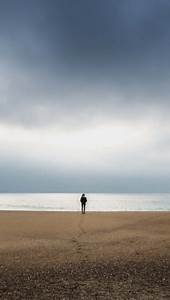 Alone Stranger Men iPhone Wallpaper - iPhone Wallpapers