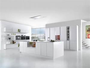 Modele De Cuisine Moderne : affordable cuisine moderne blanc brillant sans poignes ~ Melissatoandfro.com Idées de Décoration