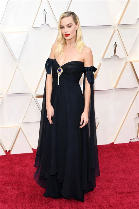The Best Dressed Celebrities at the 2020 Academy Awards ...