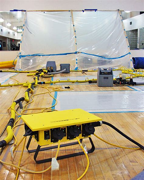 Hardwood Floor Drying Mats - water extraction wood floors water restoration experts
