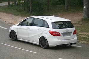 Classe B Amg : spyshots mercedes testing new b class sport amg model autoevolution ~ Gottalentnigeria.com Avis de Voitures