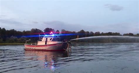 Fire Boats In Portland Oregon by Boat Oregon Come Play On Oregon S Waterways