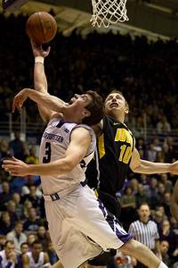 Men's Basketball: Northwestern can't find basket, loses to ...