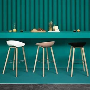 Chaise De Bar Bleu : comment adopter le tabouret de bar dans l 39 int rieur moderne ~ Teatrodelosmanantiales.com Idées de Décoration