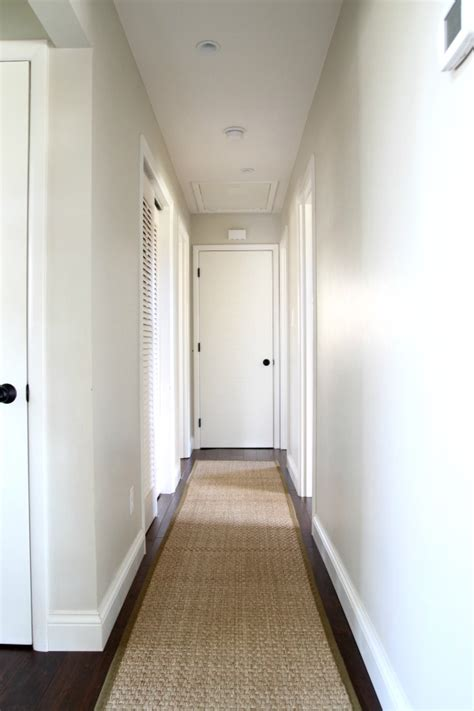 Dunklen Flur Farblich Gestalten by Help For A Boring Hallway And What Not To Do