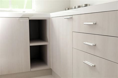 tips for buying kitchen cabinet hardware