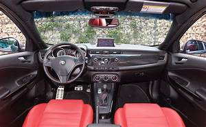 Essai Alfa Romeo Giulietta 1 4 Multiair 170 : essai alfa romeo giulietta 1 4 multiair 170 2010 l 39 automobile magazine ~ Medecine-chirurgie-esthetiques.com Avis de Voitures