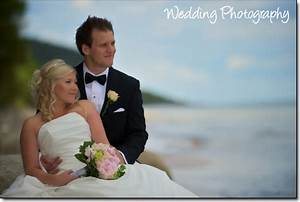 Wedding photography equipment needed for small businesses for Wedding photography equipment