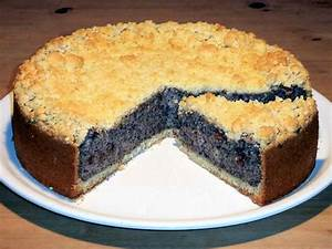 Saftiger Mohnkuchen Rezept mit Streusel, Schmand