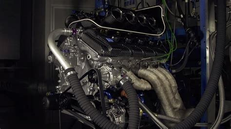 listen to volvo s v8 supercar engine top gear