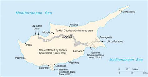 Relieful insulei este dominat de doua lanturi muntoase muntii troodos si kyrenia si campia centrala care cuprinde mesaoria. Cipru Harta Europei / Hărţi Localitati Manastiri ...
