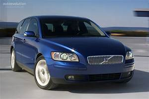 Volvo V50 Specs  U0026 Photos