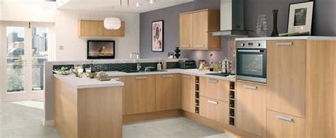 cuisines pas ch鑽es marchand de cuisine equipee cuisine quip e nos conseils pour la choisir et l la cuisine quip e avec lot central 66 id es en photos cuisine