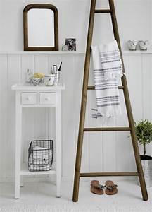 Echelle Decorative Blanche : chelle bois d co id es comment l 39 int grer dans votre maison ~ Teatrodelosmanantiales.com Idées de Décoration