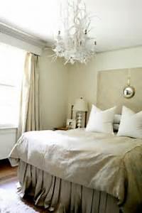 Kronleuchter Im Schlafzimmer : 25 selbstgemachte kronleuchter aus zweigen ~ Sanjose-hotels-ca.com Haus und Dekorationen