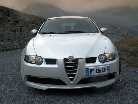 Alfa Romeo 147 Gta Car Review Features Specification Prices