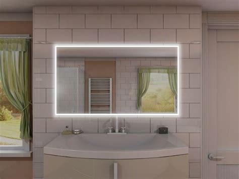 eleganter badspiegel mit steckdose und led rundum beleuchtung