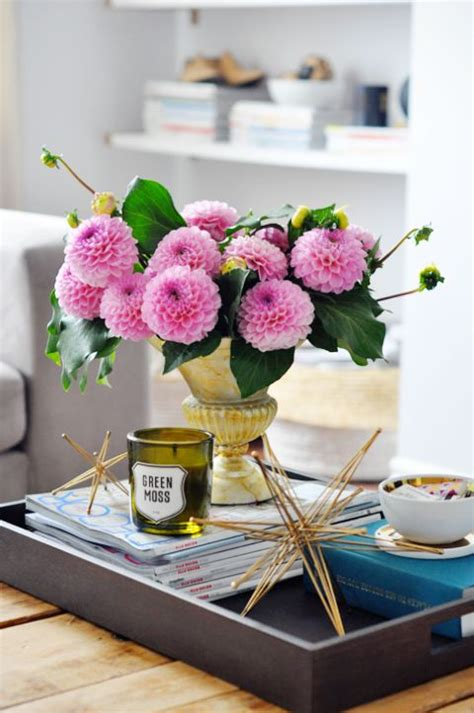 Office Desk Flowers by 36 Best Office Desk Flower Arrangements Images On