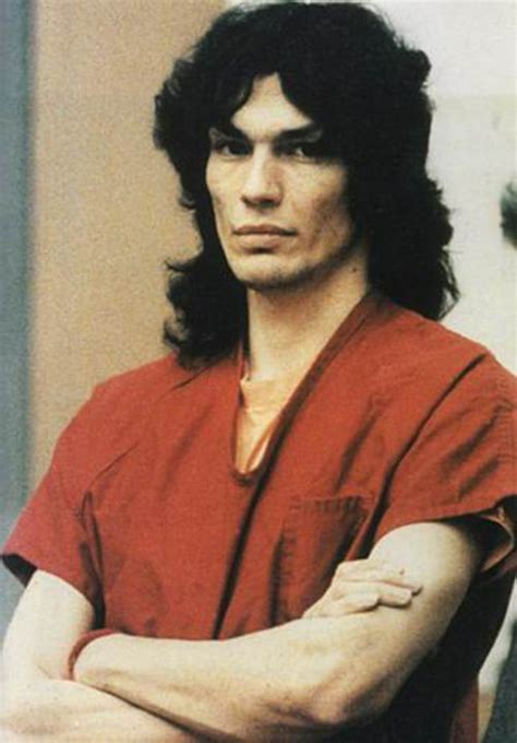 Satanista Richard Ramirez vraždil a znásilňoval své oběti ...