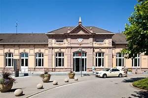 Gaststätten Baden Baden : viel platz f r reisende der bahnhof baden baden ~ Watch28wear.com Haus und Dekorationen