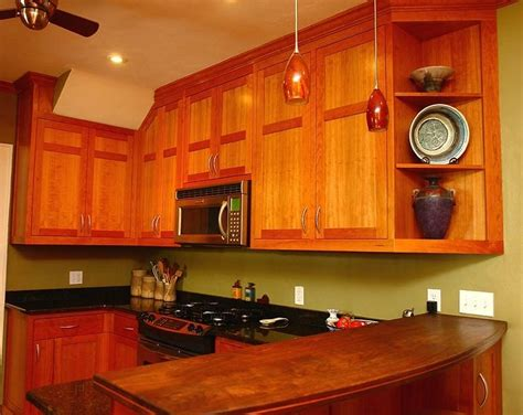 cherry shaker kitchen cabinets custom made shaker style kitchen in cherry by 5380