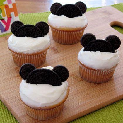 mickey mouse cupcakes disney family