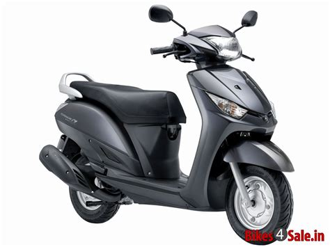 grey colour yamaha alpha scooter picture gallery bikessale