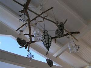 Suspension Bois Flotté : suspension bois flott et petits objets recyclage et cie ~ Teatrodelosmanantiales.com Idées de Décoration