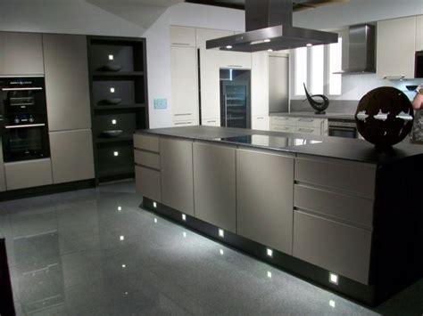 meuble cuisine couleur taupe peinture couleur et gris 9 cuisine blanc et taupe