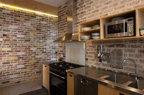 batu tempel dinding batu bata ekspos  dinding dapur