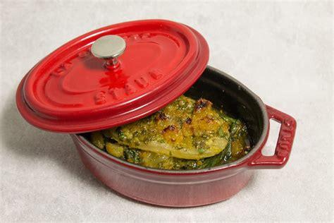 cuisiner cotes de blettes cuisiner des cotes de blettes recette de blettes en mini