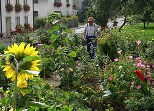 Blumen Für Garten : ein garten f r blumen gem se und auch igel l ffingen badische zeitung ~ Frokenaadalensverden.com Haus und Dekorationen