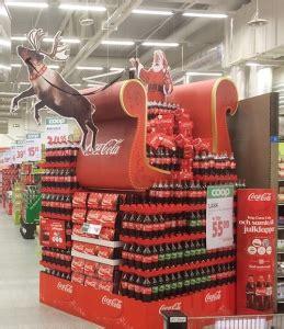 coca cola chooses  board   years christmas