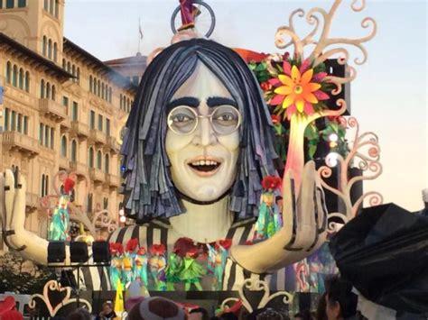 Ingresso Carnevale Viareggio Agevolazioni Per L Ingresso Alle Sfilate Prossimo